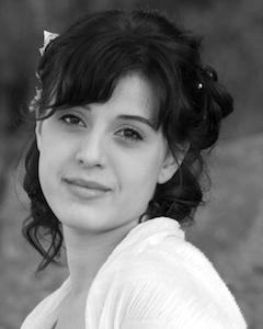 Heather Wells, Soprano